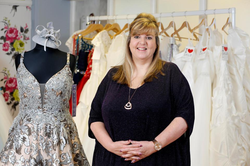 Celebrating Curves The Bridal Studio Devoted To Curvaceous Fuller